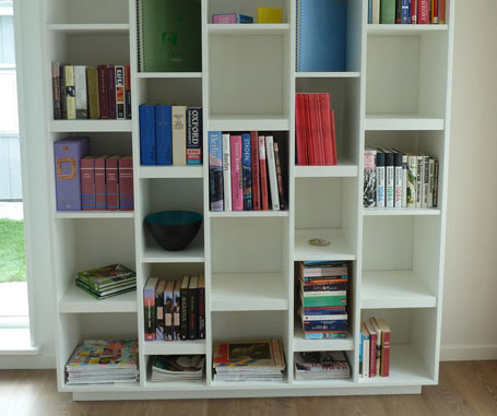 Måttbeställd bokhylla